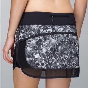 RARE Lululemon Hotty Hot Skirt *4-way Stretch